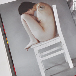 Elena Helfrecht, Germany, photography, missing arms, nakced on a chair, artscum